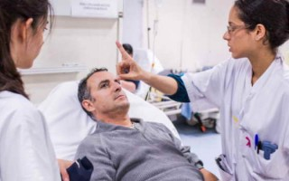 Признаки инсульта у мужчин: особенности проявления заболевания