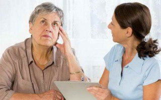 Потеря памяти у пожилых людей: как лечить, советы врачей