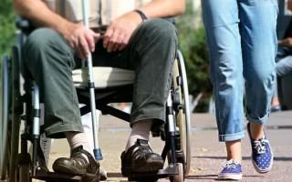 Паралич: как проявляется заболевание, способы лечения