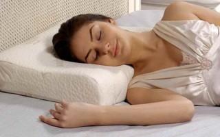 Ортопедическая подушка при шейном остеохондрозе: рекомендации по выбору