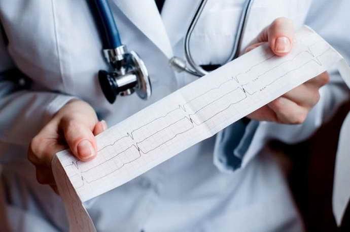 Диагностируются арахноидальные изменения ликворокистозного характера несколькими путями