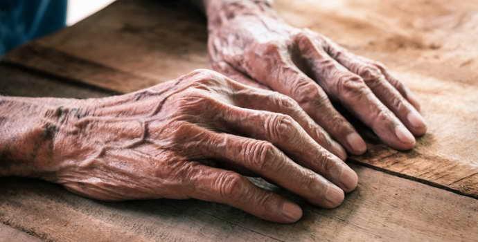 Болезнь Паркинсона: причины появления, симптомы, прогноз