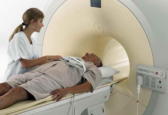 При болезни Паркинсона поражается экстрапирамидная моторная система