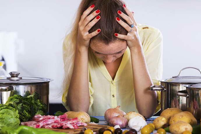 продукты вызывающие мигрень при месячных