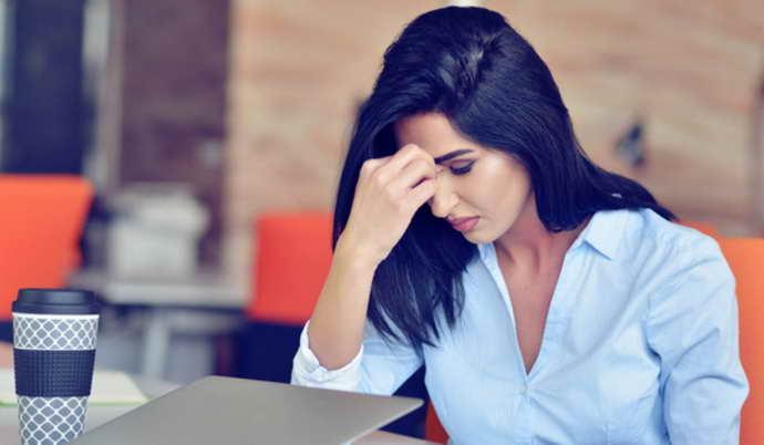 стрессы и обмороки при месячных