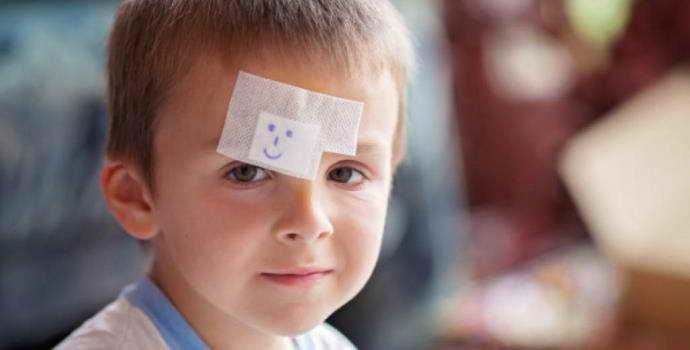 Признаки сотрясения мозга у ребенка: характер проявления, первая помощь
