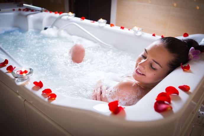 Поможет ли ванна уснуть