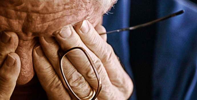 Что происходит с человеком, страдающим болезнью Бинсвангера, и можно ли вылечить такой недуг