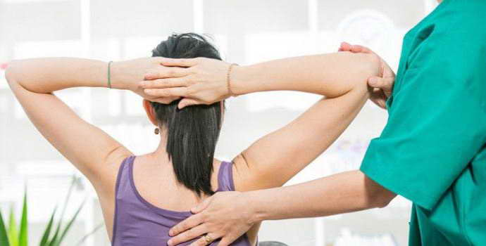 Грыжа грудного отдела позвоночника: симптомы, причины и лечение