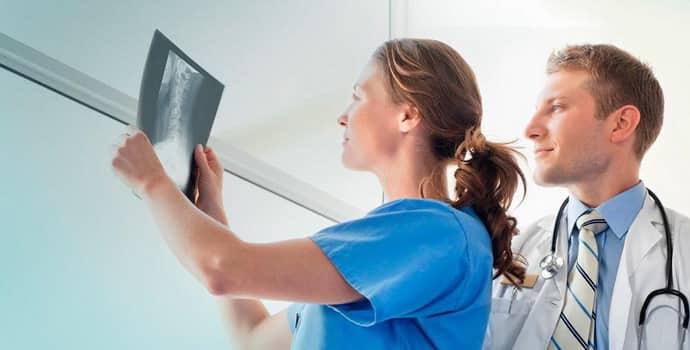 Симптомы протрузии грудного отдела позвоночника, причины и лечение