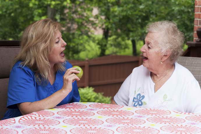 восстановление речи после инсульта от чего зависит результат