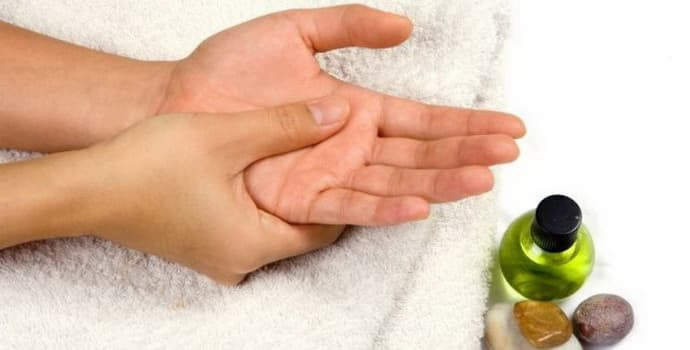 Немеют пальцы рук - причины и профилактика