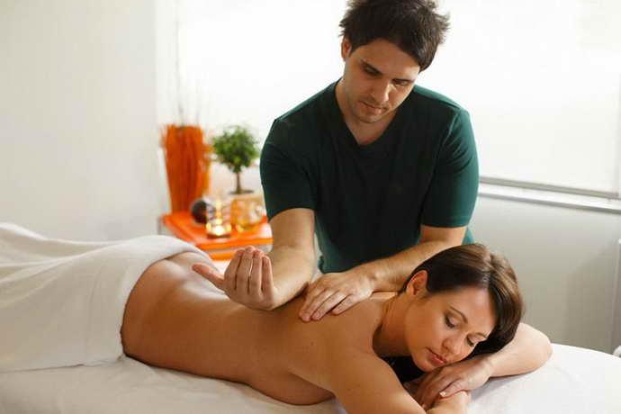 лечение массажем боли в молочной железе при остеохондрозе