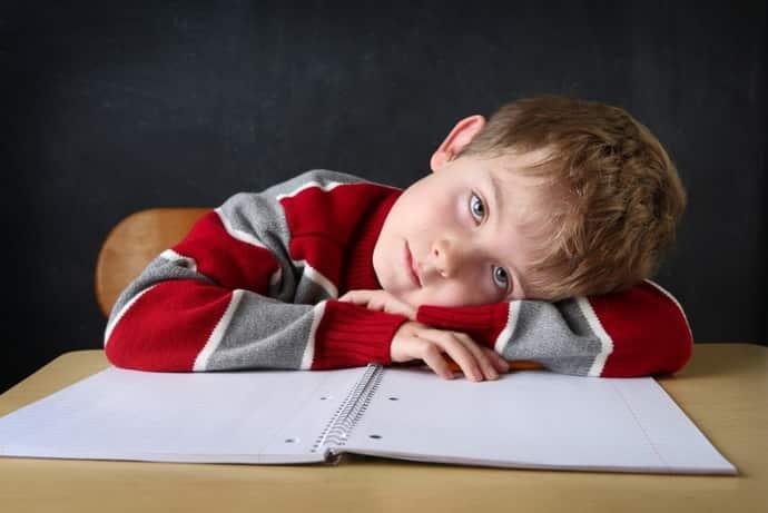 Гиперкинезы у детей после психической нагнрузеи