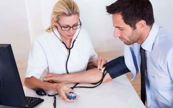 какие симптомы могут быть у головокружения после инсульта