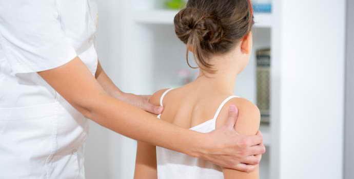 Грыжи Шморля в грудном отделе позвоночника: причины и симптомы