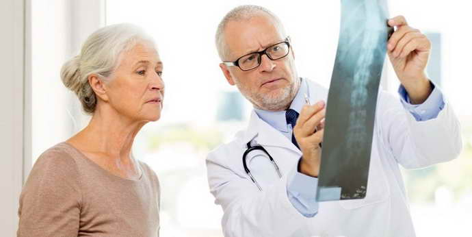 К какому врачу обратиться при позвоночной грыже