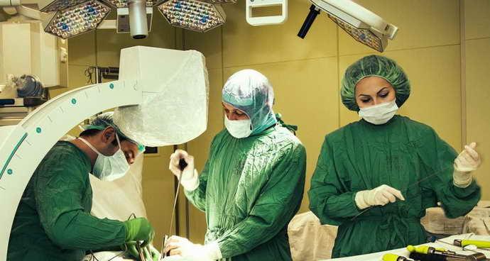 ком в горле при остеохондрозе шейного отдела операция
