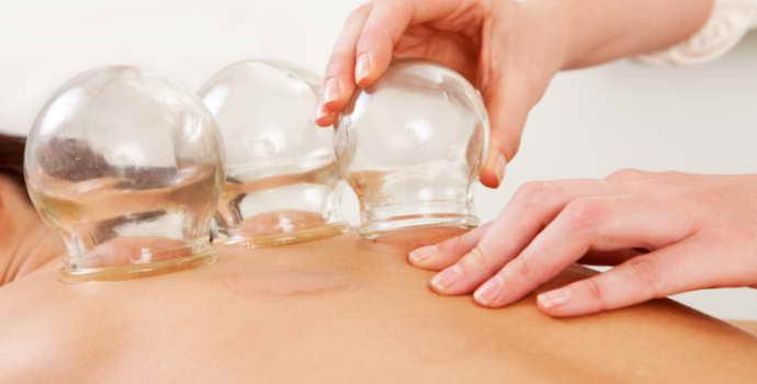 Массаж банками при остеохондрозе шейного отдела: польза и техники проведения