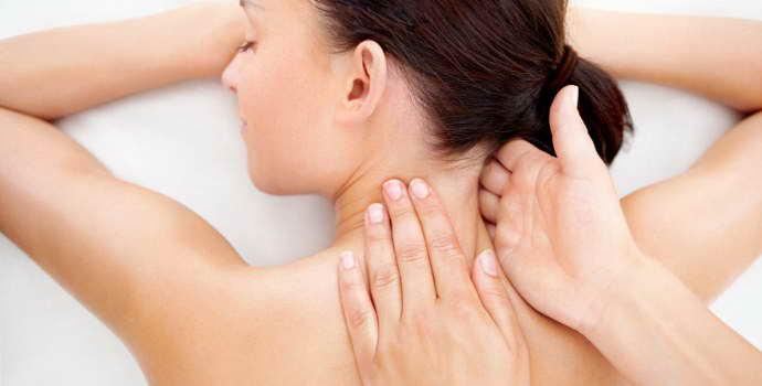 Как делается массаж при остеохондрозе в области грудного отдела позвоночника