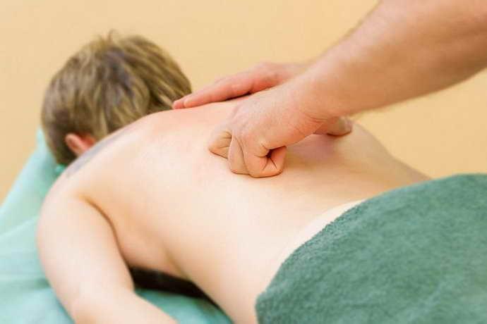 Как делают массаж при остеохондрозе специалисты