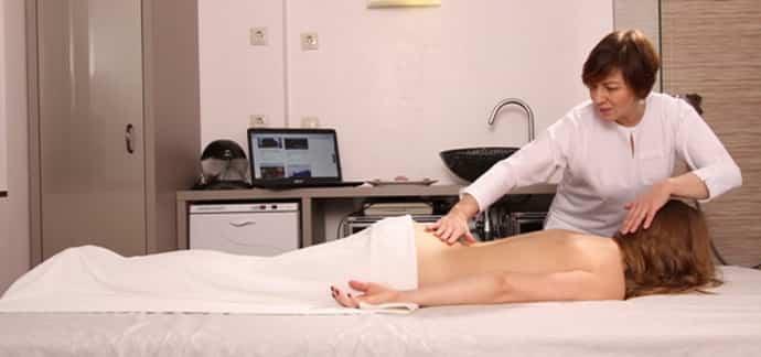 Как делать массаж при протрузии поясничного отдела