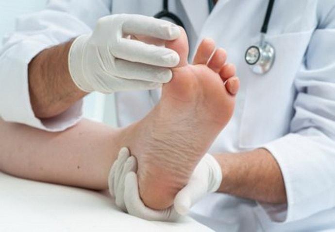 Причины от которых немеет большой палец на ноге