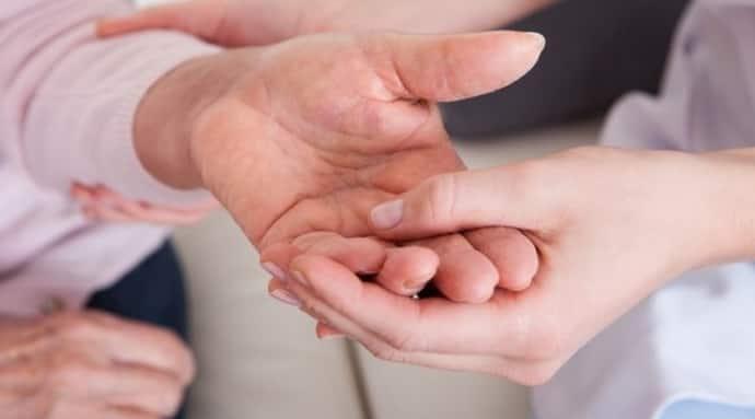 При каких патологиях немеют пальцы рук