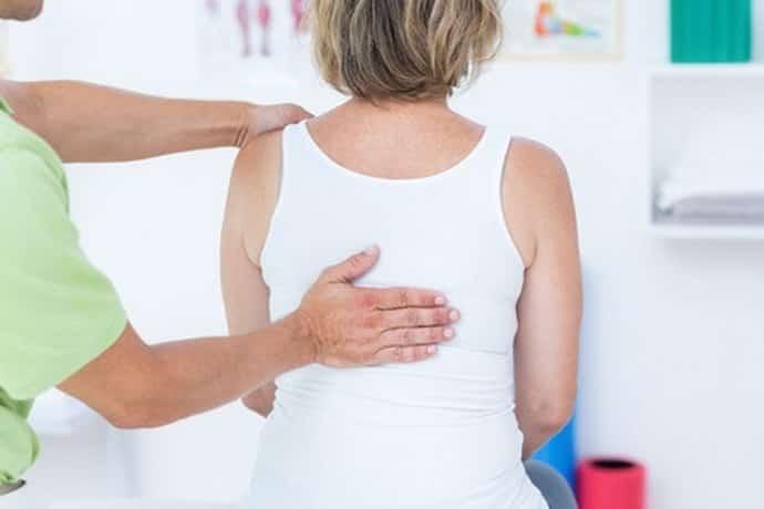 При остеохондрозе немеют пальцы рук