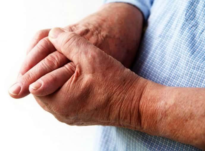 Почему  немеют руки по ночам причина и что делать