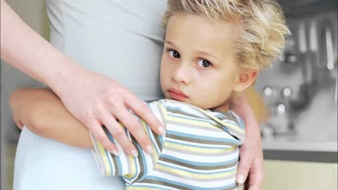 Почему у ребенка возникает нервный тик