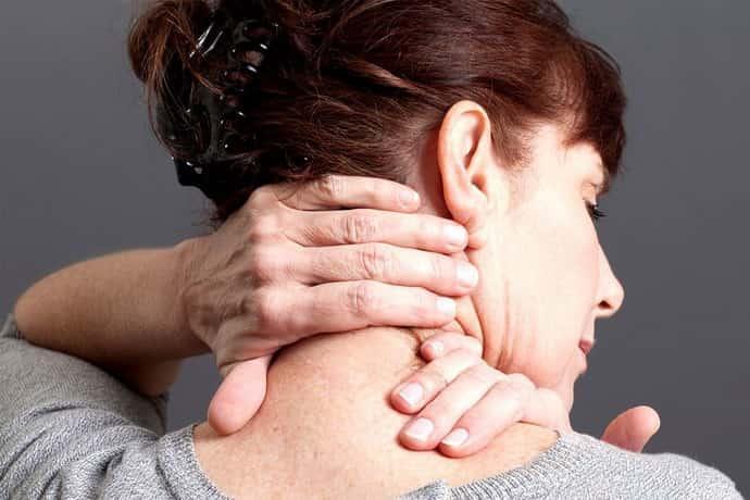 Почему возникает невралгия спины