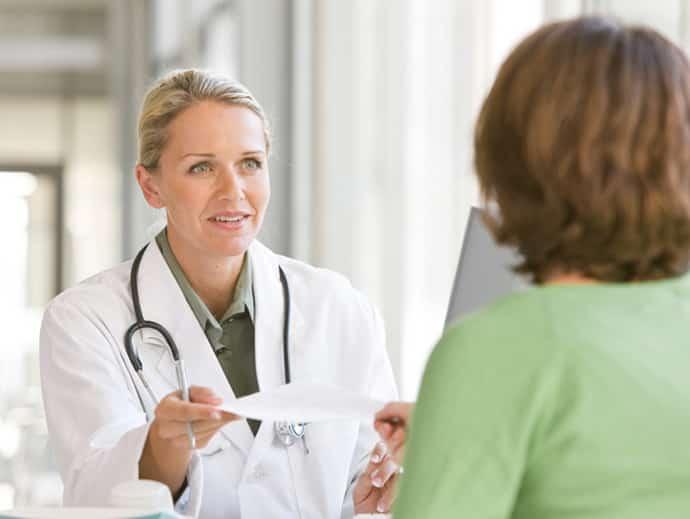 почему сводит руки: консультация врача