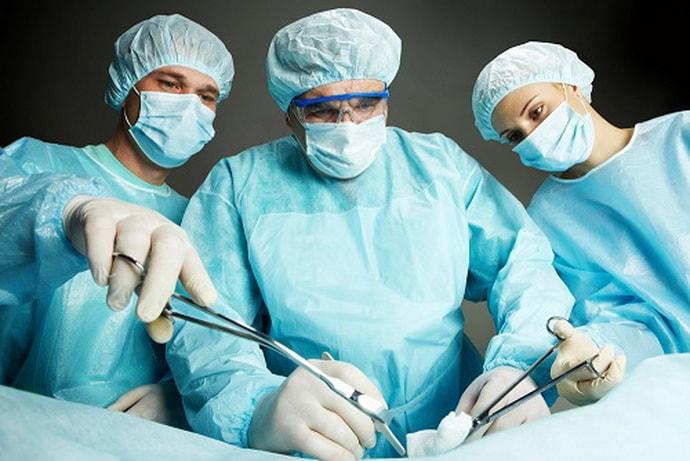Операция при онемении уха