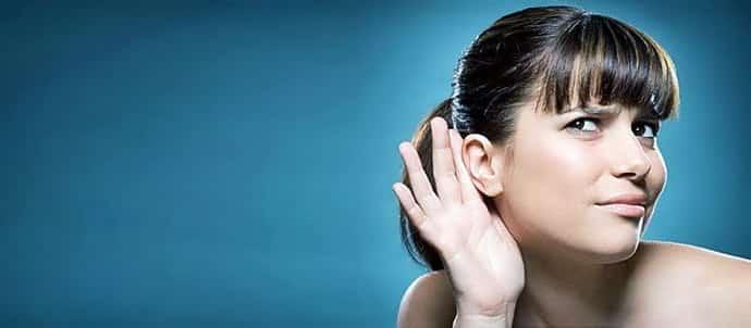 Почему онемело ухо, основные причины и тревожные симптомы.