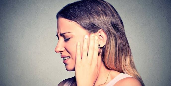 Почему немеет ухо причины — Про сосуды