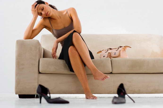 обычные симптомы остеохондроза ног