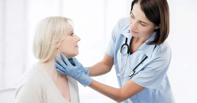 Почему возникает парез лицевого нерва