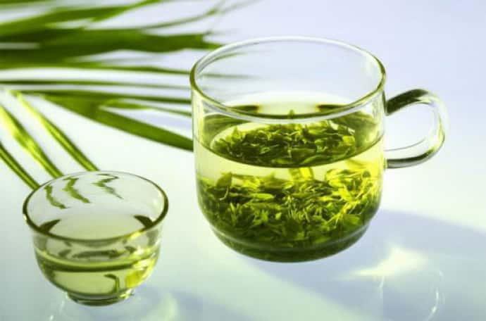 зеленый чай при дергающемся глазе