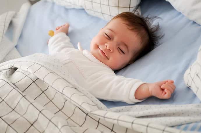 Стоит ли лечить ребенка если он дергается во сне