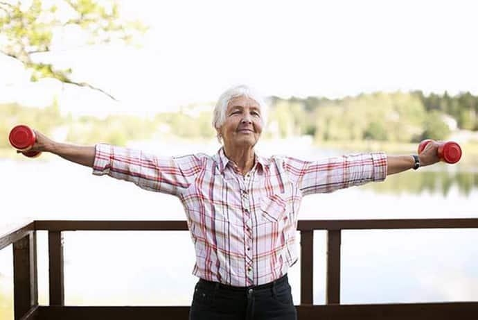 Судороги ног и рук у пожилых людей: причины, лечение