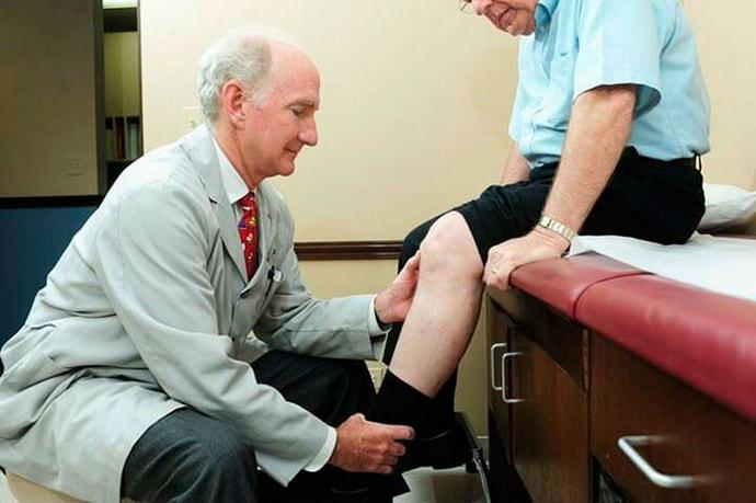 Почему возникают судороги ног и рук у пожилых людей