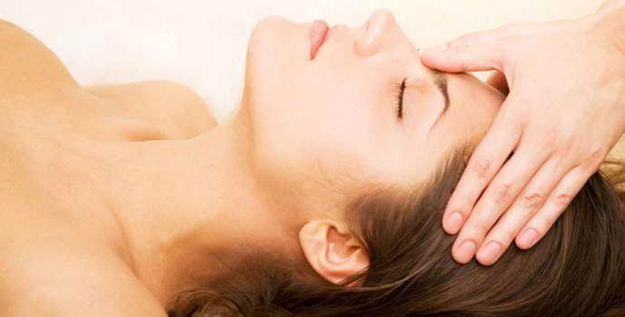 Точечный массаж при бессоннице — в чем помощь