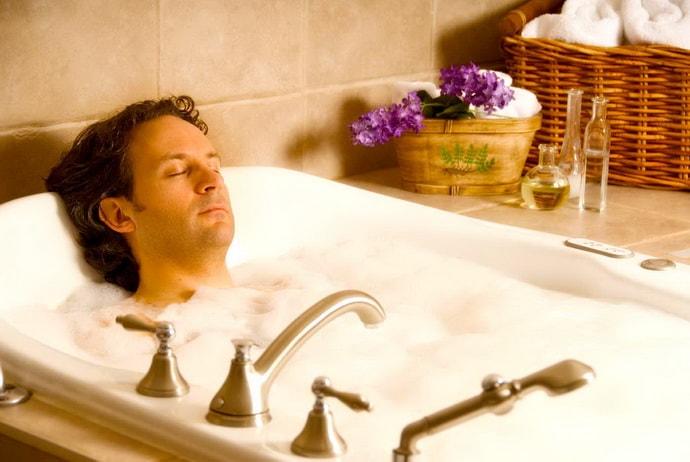 Расслабляющая ванна при треморе рук