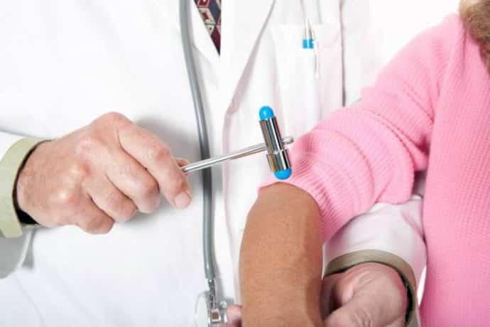 Диагностика при треморе рук