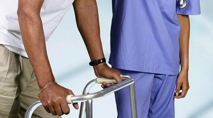 уход за больными после инсульта и лфк