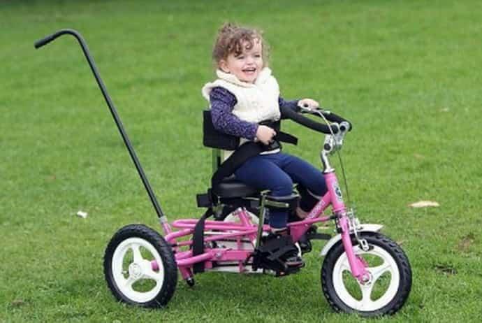 Велосипед для детей с ДЦП: особенности выбора и эффект воздействия