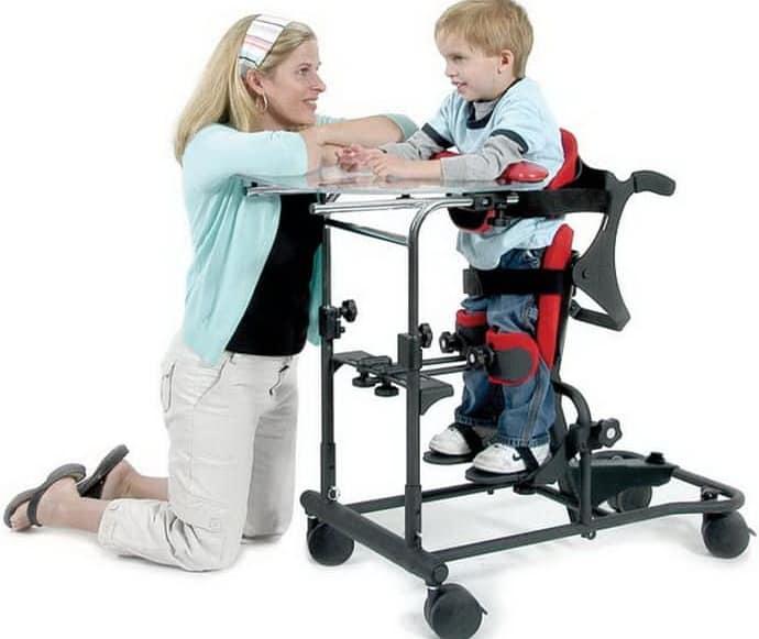 Вертикализатор для детей ДЦП: особенности выбора устройства