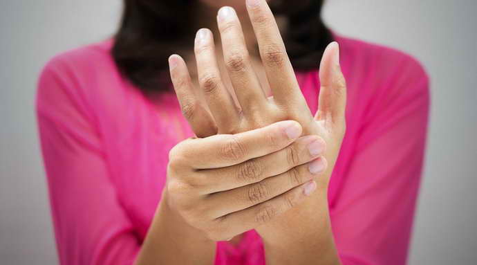 защемление нерва в руке симптомы